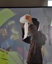 Diakarussell - Kunst aus Licht und Farbe. Detail der Greenscreen Aktion.